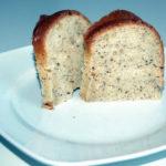 Tassen Kuchen mit Nüssen